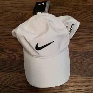 Nike Golf Hat. New With Tags